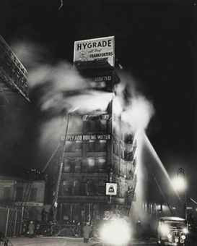 weegee_simply_add_boiling_water_1937_d5479224h
